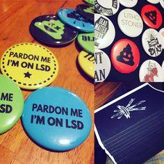 Making buttons and sketchbooks for #sgci #pdx Pardon me... #southerngraphicscouncil #oregon #portland #lsd #psychedelicart #psychedelic #trippy #vibes #transcend #consciousness #awareness #poo #poop #poopemoji #pooemoji #emoji #printmaking #printmaker #buttons #punkbuttons #diy #dmt #fungi #acidtrip #acidhead #drugs #artists @deadmatterpress by artnerdforever