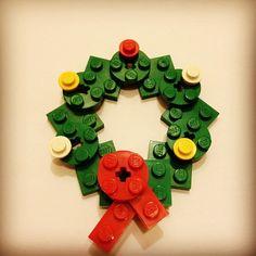 LEGO mini wreath by sixf00t4, via Flickr