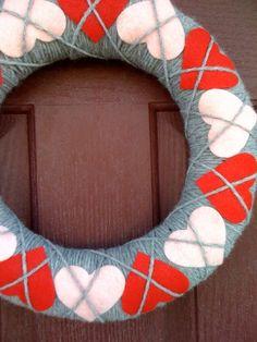 adorable Valentines wreath #wreath #door #valentines