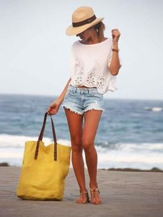 It's time to share with you my favorite casual summer fashion. You are about to know how to look great in casual clothes this hot season. This style is common for everyone. I know many ladies who wear only casual… Continue Reading → Look Fashion, Fashion Outfits, Womens Fashion, Beach Fashion, Fashion Ideas, Fashion Shorts, Outfits 2016, Fashion Trends, Net Fashion
