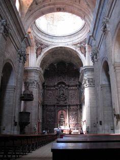 Monforte de Lemos-Lugo . Iglesia del colegio de los padres escolapios. El retablo Fue encargado por los padres jesuitas el 16/11/1625