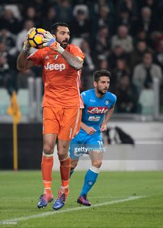 Gianluigi Buffon during Serie A match between Juventus v Napoli, in Turin, on october 29, 2016 (Photo by Loris Roselli/NurPhoto via Getty Images).