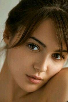 Beauty who is she ? Cute Beauty, Beauty Full Girl, Beauty Women, Beautiful Girl Photo, Beautiful Lips, Girl Face, Woman Face, Beauté Blonde, 10 Most Beautiful Women