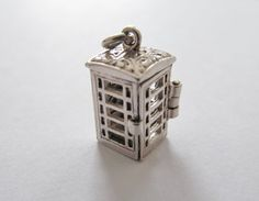 Nuvo Opening Telephone Box Charm