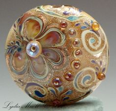 Fine Lampwork by Lydia Muell, Gallery of Lampwork Focal Beads    Her work is UH-MA-ZING!!
