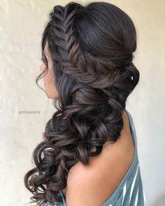 Elegant Braided Side Curls Sporty Hairstyles, Side Braid Hairstyles, Trending Hairstyles, Hairstyle Ideas, Hair Ideas, Teenage Hairstyles, Hairdos, Loose Braids, Braids For Long Hair