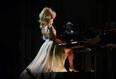 Celeb Diary: Taylor Swift at the 2014 Grammy Awards