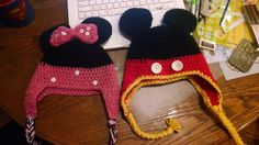 crochet minnie and mickey hats
