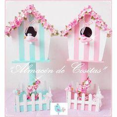 Casas De Pajaritos Centros De Mesa Cumpleaños Bautismos - $ 380,00 Popsicle Stick Crafts, Craft Stick Crafts, Diy And Crafts, Cardboard Crafts, Paper Crafts, Bird Houses Painted, Baby Shawer, Bird Theme, Ideas Para Fiestas