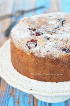 Ricotta cake with summer fruit Baking Recipes, Cake Recipes, Dessert Recipes, Ricotta Torte, Cake Cookies, Cupcake Cakes, Sweet Bakery, Bread Cake, No Cook Desserts