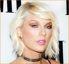 Taylor Swift Latest Short Hair Style 2017 Showing Off //