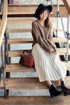 【今日のコーデ/佐藤ありさ】待ちに待ったデートの月曜日はゆるシルエットで大人可愛く♡ | ファッション(コーディネート・流行) | DAILY MORE