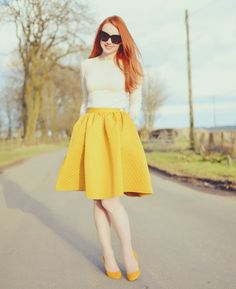 50s style skirt and yellow shoes