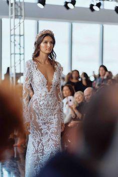 Beautiful Wedding Gowns, Sexy Wedding Dresses, Wedding Dress Styles, Wedding Attire, Wedding Bride, Wedding Decor, Grad Dresses, Chiffon Dresses, White Elegance