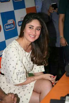 Ji Bollywood, Smile Teeth, Kareena Kapoor Khan, Beautiful Smile, Glamour, Celebrities, Beauty, Fashion, Moda