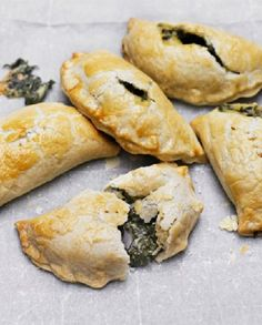 Low FODMAP Vegetarian Recipe and Gluten Free Recipe - Cheese & spinach pasties http://www.ibscuro.com/low_fodmap_vegetarian_recipe_cheese_spinach_pasties.html