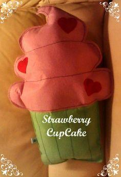 strawberry cupcake - cuscino a forma di cupcake alla fragola