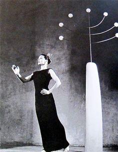 Martha Graham. Sculpture by Isamu Noguchi