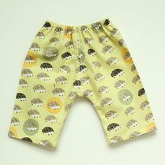 """<a href=""""http://www.made-by-rae.com/2014/03/sewing-for-baby-newborn-pants/"""" rel=""""nofollow"""">blogged</a>"""