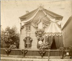 Ulysses S. Grant's former home at 253 Fort St. East in Detroit, Michigan, draped in mourning after his death on July 23, 1885.