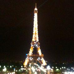 Romantic place: Tour Eiffel / Eiffelturm at night
