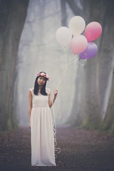 Flowers and balloons, birthday photoshoot | http://www.byjosechan.com