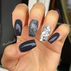 """If you're unfamiliar with nail trends and you hear the words """"coffin nails,"""" what comes to mind? It's not nails with coffins drawn on them. It's long nails with a square tip, and the look has. Fancy Nails, Love Nails, Trendy Nails, Fabulous Nails, Gorgeous Nails, Amazing Nails, Perfect Nails, Amazing Art, Nagellack Trends"""