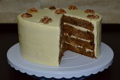 Carrot and pineapple cake Delicious Deserts, Pineapple Cake, Yummy Cakes, Cake Pops, Carrots, Muffins, Cupcakes, Sweets, Baking