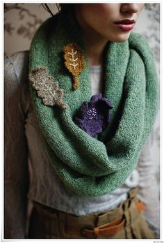 Knitted leaf cowl