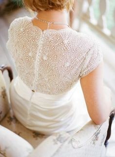 Tendance Robe De Mariée 2017/ 2018 : Beaded design: www.stylemepretty... | Photography: Allie Lindsey - allielindsey....   https://flashmode.be/tendance-robe-de-mariee-2017-2018-beaded-design-www-stylemepretty-photography-allie-lindsey-allielindsey/  #RobeMariage