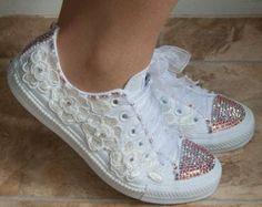 zapatillas converse con cristales encajes y por TheCherishedBride