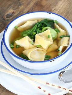 Best Gluten Free Won Ton Wrappers and Won Ton Soup The Best Gluten Free Wonton Wrappers + Wonton Soup! - Gluten Free on a ShoestringThe Best Gluten Free Wonton Wrappers + Wonton Soup! - Gluten Free on a Shoestring Gluten Free Egg Rolls, Gluten Free Soup, Gluten Free Dinner, Gluten Free Cooking, Gluten Free Dumplings, Gf Recipes, Dairy Free Recipes, Soup Recipes, Cooking Recipes