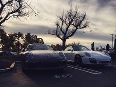 Porsches in the morning.  #supercarsunday #losangeles #california #carsandcoffee #carsofinstagram #morning #wallpaper #gearhead #jalopnik #porsche #porsche911 #porscheclub #rennsport