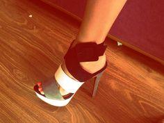 Fabulosos zapatos de Zara, de la colección Spring/Summer 12. Color Gris-Blanco-Negro