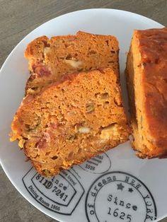 Cake sans gluten oignons, carottes et tomates