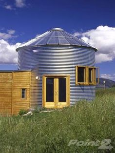 smaller silo home Love the French doors and the windows Quonset Hut Homes, Prefab Homes, Cabin Homes, Silo House, Home Design, Grain Silo, Round House, Building A House, Building Structure