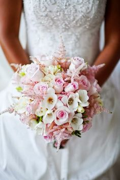 Sweet and romantic #wedding bouquet ~ Root Photography | bellethemagazine.com
