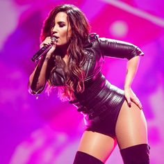 How Demi Lovato is living her best life after rehab – Celebrities Female Cuerpo Demi Lovato, Demi Lovato Body, Demi Love, Demi Lovato Pictures, Selena Gomez, Shows, Female Singers, Woman Crush, Girl Crushes