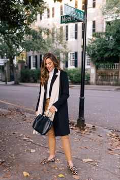 5 Staples of My Winter Wardrobe + Gift Ideas - Gal Meets Glam Winter Looks, Winter Style, Autumn Style, Casual Winter, Womens Fashion For Work, Latest Fashion For Women, Fashion Women, Fall Winter Outfits, Autumn Winter Fashion