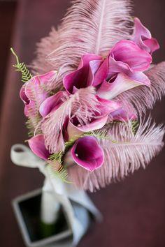 オシャレ花嫁に!カラーのお花を使った大人可愛いブーケ18選 / ブーケ まとめ記事 / WEDDING | ARCH DAYS Pink Bouquet, Flower Bouquets, Pink Images, Wedding Bouquets, Purple Wedding Flowers, Tall Wedding Centerpieces, Tall Centerpiece, Wedding Flower Arrangements, Floral Arrangements