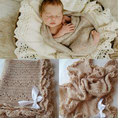 Πλεκτή κουβέρτα για μωρό Crochet Hat For Women, Crochet Baby Shoes, Crochet For Kids, Crochet Cat Pattern, Crochet Purse Patterns, Warm Blankets, Knitted Blankets, Crochet Heart Blanket, Crochet Bookmarks