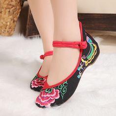 中国の伝統的な布の靴