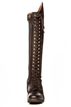 A gorgeous and elegant full lace up Dressage Boot, that will get you compliments both on and off the Horse. The Bia can be fully or partially reinforced. There