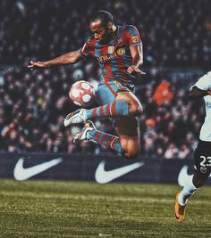 World Football, Football Soccer, Fc Barcelona Wallpapers, Soccer Stars, Football Wallpaper, Vintage Football, Best Player, Banners, Spiderman