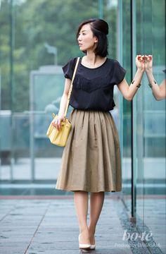 ふんわりフォルムのスカートが大人かわいい、夏の愛されモテコーデ