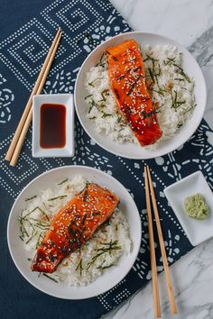 Salmon Teriyaki Bowls In 30 Minutes - - Salmon Teriyaki over rice is one of my favorite Japanese-style dishes The caramelized teriyaki sauce combined with the tender, fatty salmon is a killer combination, and it's easy to make at home. Baked Teriyaki Salmon, Teriyaki Bowl, Teriyaki Glaze, Baked Salmon, Salmon Sushi, Easy Salmon Recipes, Asian Recipes, Ethnic Recipes, Cooking Salmon