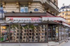 ArchDaily - MASS Releases Spatial Strategies for Restaurants in Response to Paris, France - April Restaurant brasserie on Boulevard Saint Germain is closed due to epidemic of. Hand Washing Station, Airbnb Rentals, Public Realm, Design Guidelines, Article Design, French Interior, Outdoor Seating, No Response, Porto