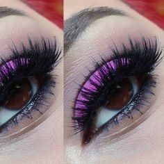 Pretty Pink Eyeshadow + Long Fake Eyelashes