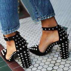 b68d396c836 Black Round Rivet Chunky Heel Pointed Toe Stiletto Heels