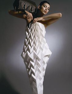 ℘ Paper Dress Prettiness ℘ art dress made of paper Paper Fashion, Origami Fashion, 3d Fashion, Fashion Show, Fashion Design, Moda Origami, Textile Manipulation, Paper Clothes, Paper Dresses